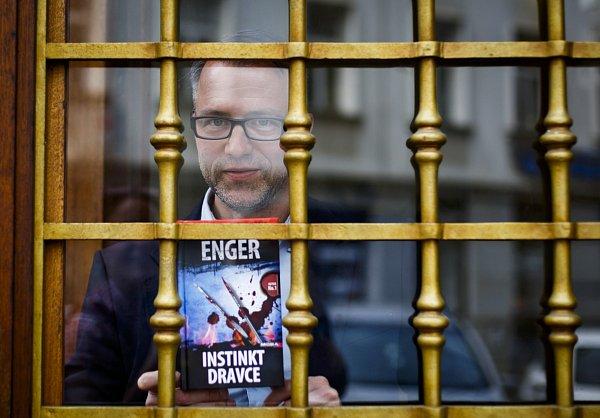 Spisovatel Thomas Enger.