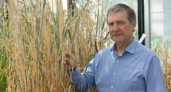 Vědecký ředitel Centra regionu Haná pro biotechnologický a zemědělský výzkum profesor Jaroslav Doležel.