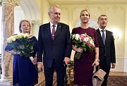 Prezident Miloš Zeman s manželkou Ivanou (vlevo) se 2. ledna na zámku v Lánech setkal s premiérem Andrejem Babišem a jeho manželkou Monikou při příležitosti tradičního novoročního oběda.