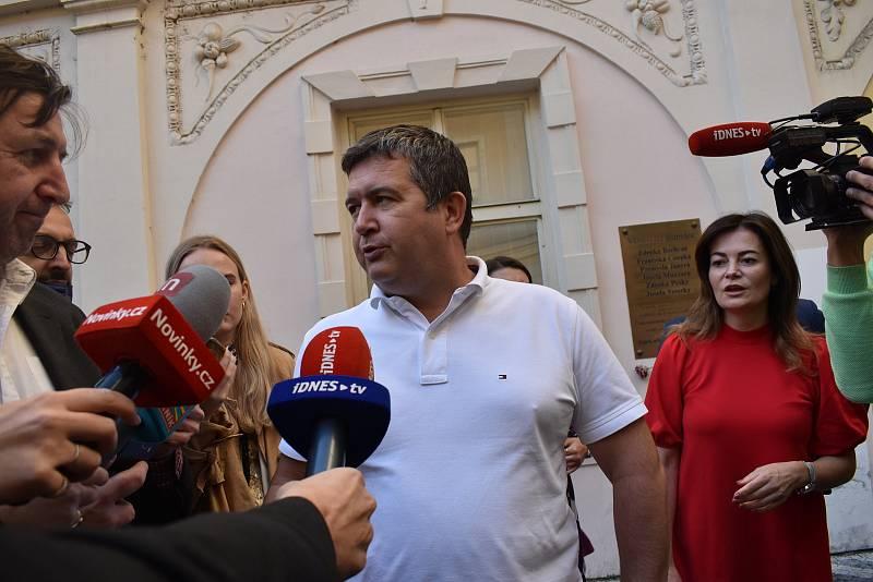 Jan Hamáček je připravený při neúspěchu v čele strany skončit. Straníkem zůstane.