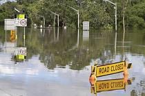Austrálie bojuje se záplavami.