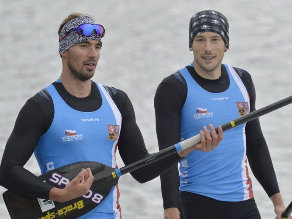 Deblkanoisté Jaroslav Radoň (vpravo) a Filip Dvořák.