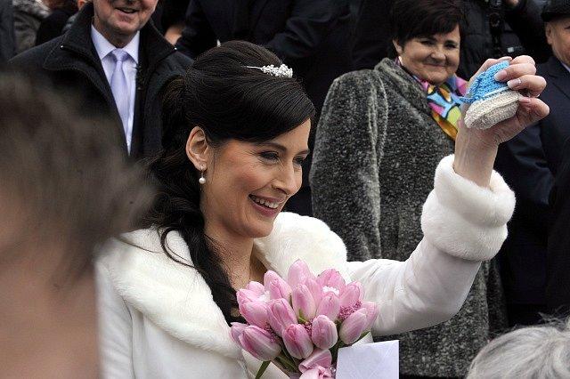 Šéf prezidentské kanceláře Mynář se oženil s moderátorkou ČT A.Noskovou v Osvětimanech na Uherskohradišťsku. Za svědka mu šel prezident Zeman.