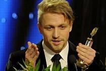 Českým slavíkem se letos stal zpěvák Tomáš Klus.