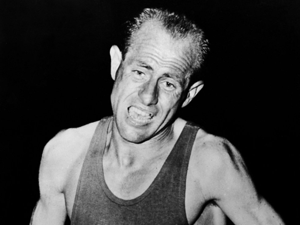 Legendární atlet Emil Zátopek na fotografii z roku 1954.