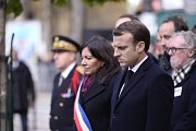 Pietních akcí se kromě prezidenta zúčastnila i starostka Paříže Anne Hidalgová.
