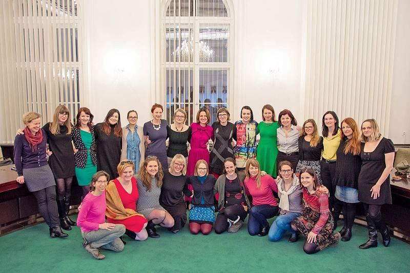 Setkání se spoluautorkami knihy a dalšími právničkami na Ústavním soudě.