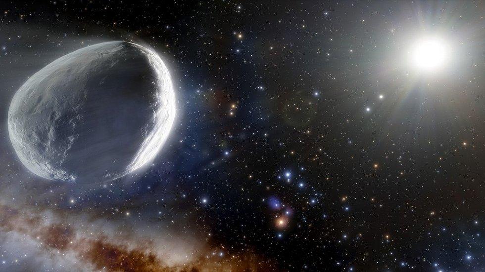 Ilustrace nově popsané komety Bernardinelli-Bernstein, která je největší zaznamenanou kometou v historii.