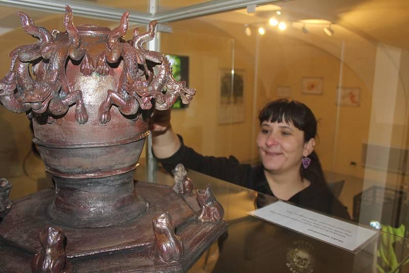 V muzeu ve Skalné je k vidění i historický čínský seismograf. Instalovala ho tam seismoložka Jana Doubravová.