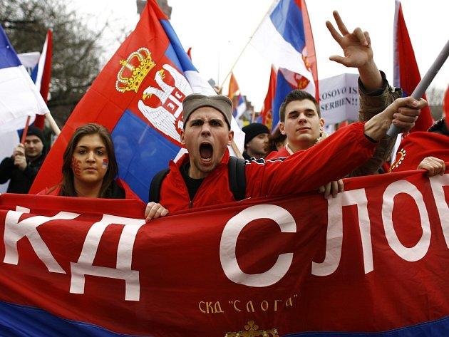 Srbové protestovali proti vyhlášení nezávislosti Kosovo i v Berlíně.