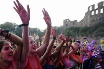 Festival Okoř: Mnozí umělci protestovali proti odsouzení členek skupiny Pussy Riot