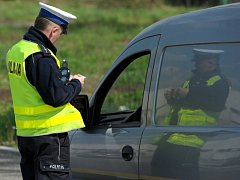 Dopravní kontrola řidičů. Ilustrační foto.