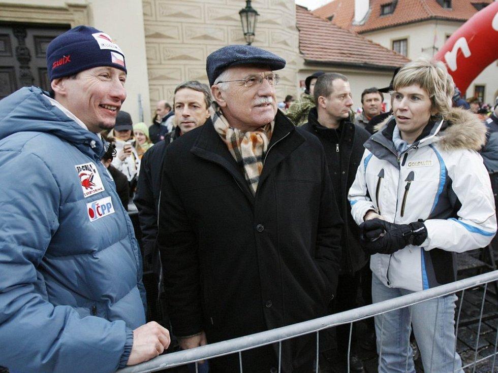 Zleva Lukáš Bauer, Václav Klaus a Kateřina Neumannová.