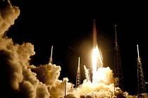 Dragon dnes vyrazil k ISS i s prvním zařízením pro testování DNA na oběžné dráze.