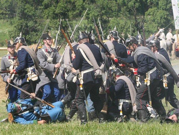 Rekonstrukce prusko-rakouské bitvy u Chlumu.
