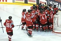 Hokejisté Rakouska slaví výhru nad Slovenskem