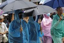 Protestní pochod Hongkongem na snímku z 6. října 2019