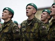 Slavnostní přísaha vojáků Armády ČR 28. října na Hradčanském náměstí v Praze.