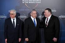 Polský ministr zahraničí Jacek Czaputowicz, izraelský premiér Benjamin Netanjahu a americký ministr zahraničí Mike Pompeo