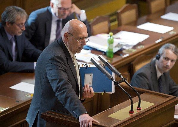 Leo Luzar z KSČM.
