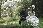 Královská aféra je příběhem vášnivé a zakázané lásky, která změnila celý národ. Lásky, která propukla na začátku 70. let 18. století mezi Johanem Struenseem, německým lékařem pološíleného dánského krále Kristiána VII., a jeho manželkou, mladičkou královno
