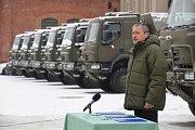 Ministr obrany Stropnický představuje nákup 26 Tater