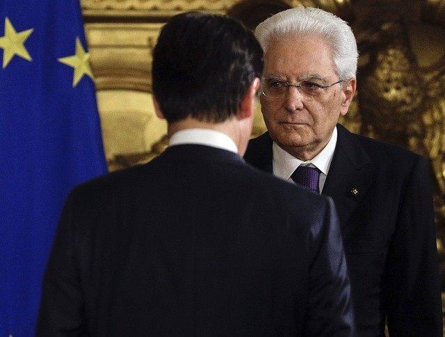 Giuseppe Conte složil prezidentskou přísahu do rukou Sergie Mattarelly