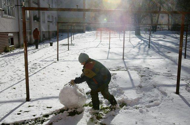 O letošních Vánocích čekají děti i sněhové radovánky
