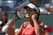Srbská tenistka Ana Ivanovičová se raduje ze svého šestého triumfu na okruhu WTA v kariéře.