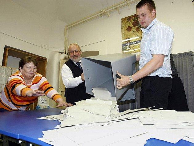 Úderem čtrnácté hodiny se v sobotu 29. května 2010 uzavřely volební místnosti v celé České republice a nastalo sčítání hlasů.