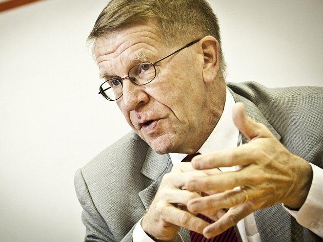 UZNÁVANÝ ODBORNÍK. Jukka Laaksonen (64) je absolventem technické vědy v Helsinkách. V energetice působí od 70. let. Od letošního jara je viceprezidentem Rusatom Overseas.