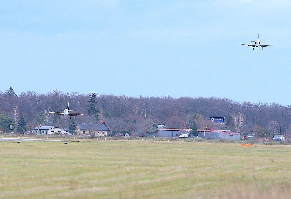 Aero L-39NG při přistání