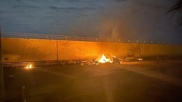 Americký raketový útok na letiště v iráckém Bagdádu.