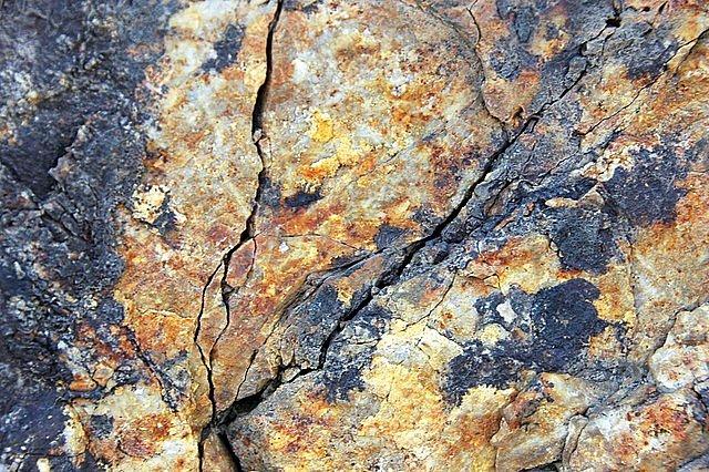 Zlato v Montaně v oblasti Emma bylo po roce 1800 intenzivně těženo