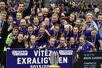 Florbalistky Vítkovic slaví extraligový titul.
