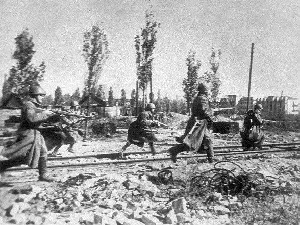 Stalingradská bitva ( 17. 7. 1942 - 2. 2. 1943 )