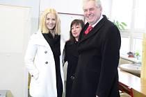 Miloš Zeman s manželkou Ivanou a dcerou Kateřinou.
