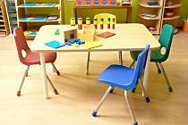 dětský stůl a židle
