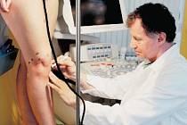 VYŠETŘENÍ. S pomocí ultrazvuku to jde bez bolesti a opakovaně.