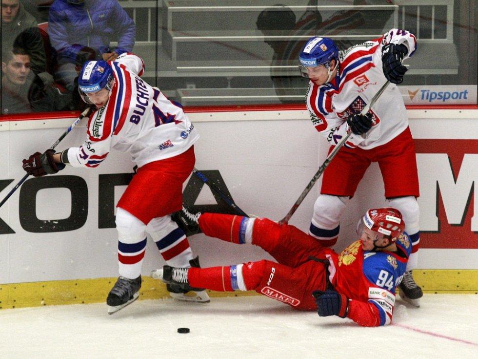 Jan Buchtele (vlevo) proti Rusku.
