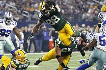 Hráč týmu Green Bay Packers Ty Montgomery skóruje touchdown v utkání s týmem Dallas Cowboys.