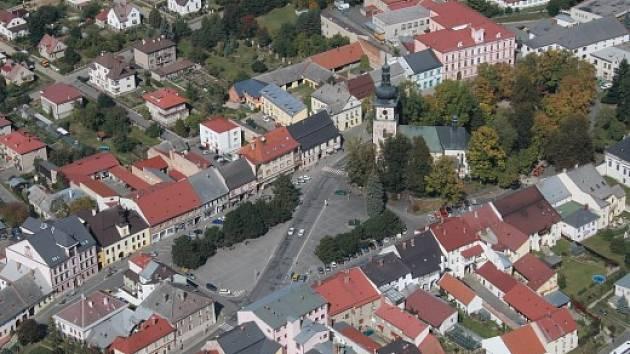 Nové Město na Moravě, Vratislavovo náměstí