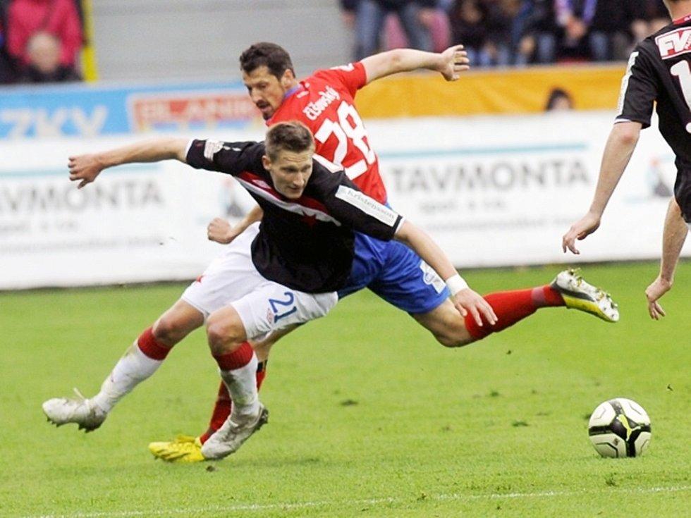 Marián Čišovský z Plzně a Milan Škoda ze Slavie.