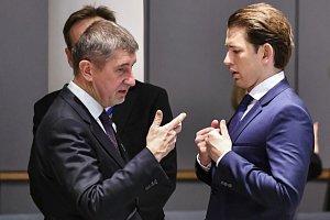 Premiér v demisi Andrej Babiš (vlevo) a rakouský kancléř Sebastian Kurz.
