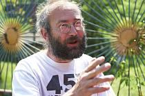 REŽISÉR Bohdan Sláma točil svůj poslední film, Čtyři slunce, na jihu Čech. Prý ho inspiroval Ivan Passer.