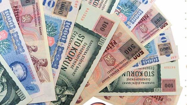 Kolkované československé bankovky