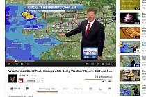 Americký moderátor počasí David Paul se pondělním vysíláním doslova proškytal.