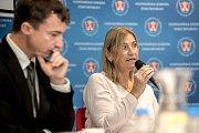 První z debat Hospodářské komory kandidátů v nadcházejících volbách proběhla 6. září v Praze. Na snímku Daniela Rázková.