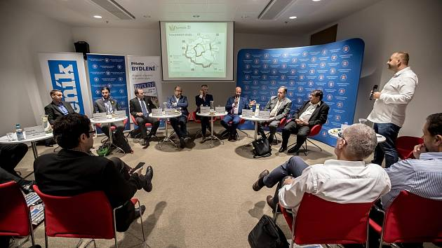 Předvolební debata před komunálními volbami pořádaná Hospodářkou komorou