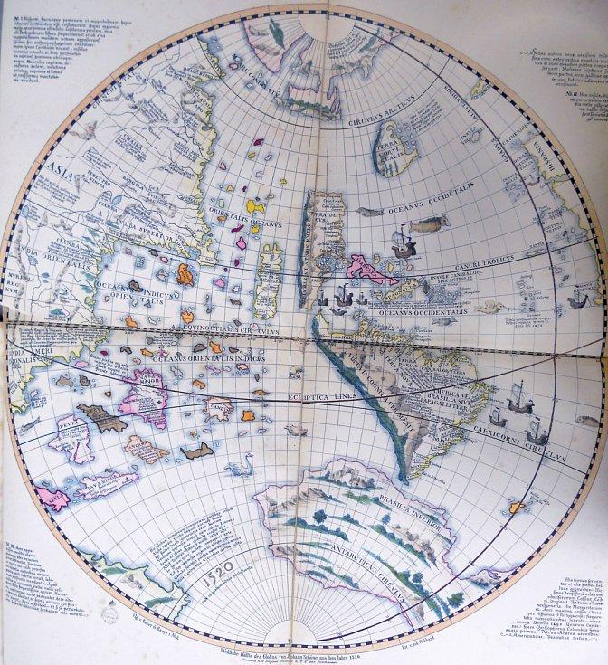 Západní polokoule v kresbě renesančního zeměpisce Johannese Schönera, vytvořené v roce 1520, odráží tehdejší mylné představy Evropanů o blízkosti Jižní Ameriky a Asie